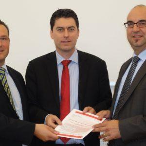 von links: SPD Voritzender im Main-Kinzig-Kreis Dr. André Kavai, Bundestagsabgeordneter Dr. Sascha Raabe, SPD Vorsitzender im Kreistag Bürgermeister Klaus Schejna